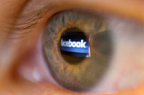 Με πρόστιμο 100.000 ευρώ απειλείται το Facebook