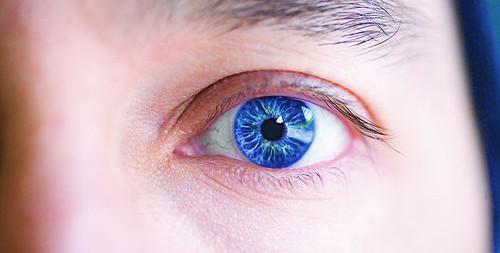 blue-left-eye