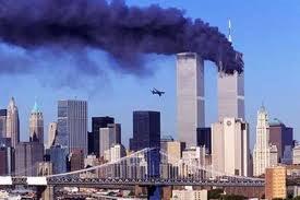 Ο Ροκφέλερ αποκάλυψε την απάτη της 9/11 στον Ααρών Ρούσο