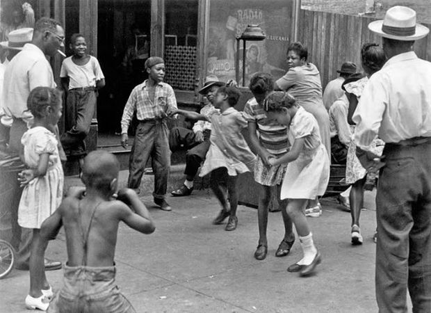 Helen Levitt - Children 1930s-40s