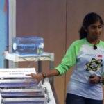 Ηλιακό φίλτρο καθαρισμού του νερού από 14χρονη μαθήτρια σκοτώνει τα βακτήρια