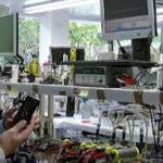Δεν θα πιστέψετε με τη φόρτισε κινητό τηλέφωνο Έλληνας επιστήμονας