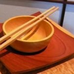 Πώς ξεκίνησαν οι λαοί της Ασίας να τρώνε με τα chopsticks...