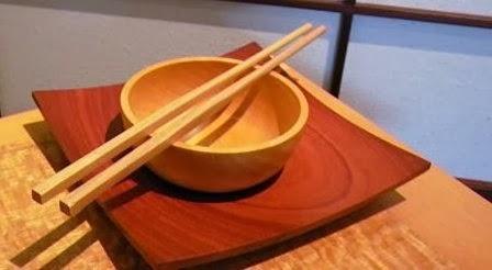 Πώς ξεκίνησαν οι λαοί της Ασίας να τρώνε με τα chopsticks…