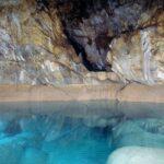 """Το μυθικό """"Σπήλαιο των Λιμνών"""" στα Κάστρια Αχαΐας - Ένα σπάνιο δημιούργημα της φύσης [Εικόνες Βίντεο]"""