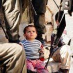 Κρατούν παιδιά μέσα σε υπαίθρια σιδερένια κλουβιά - Όχι δεν είναι το ΙSIS. Είναι το Ισραήλ.