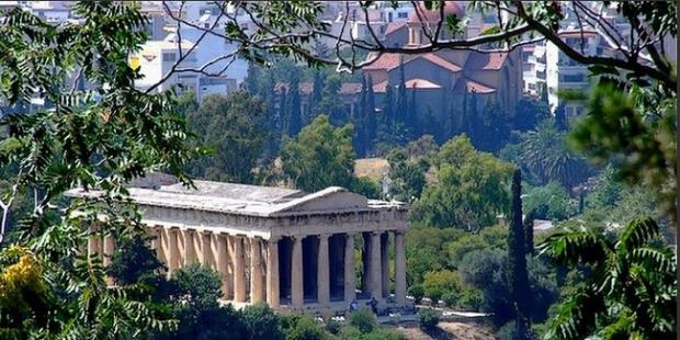 Καταστροφές αρχαίων ναών και ποιες εκκλησίες χτίστηκαν πάνω τους
