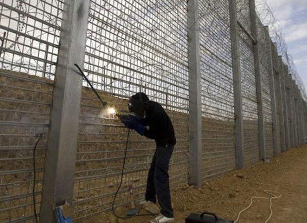 Ρατσιστικοί όλοι οι φράχτες εκτός από αυτόν του Ισραήλ…