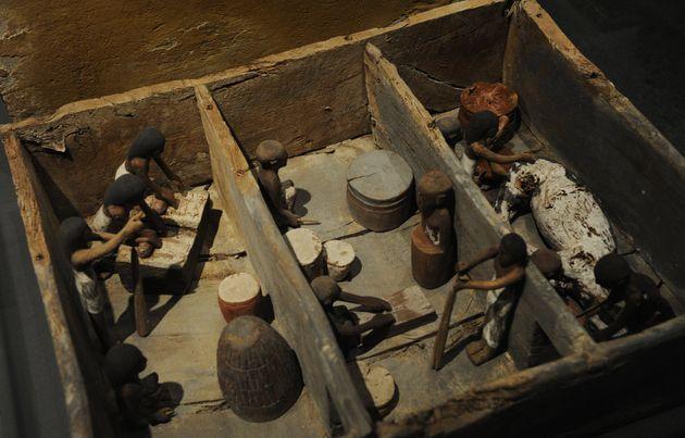 Η αρχαιολογική ανακάλυψη στην Αίγυπτο που ίσως αλλάξει την παγκόσμια ιστορία της μπύρας