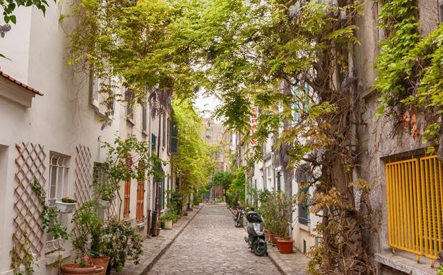 Το ομορφότερο δρομάκι του Παρισιού που οφείλει το όνομα του στην ιστορική μάχη των Θερμοπυλών
