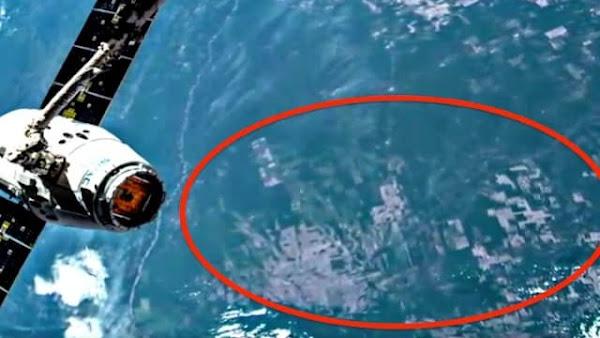 Είναι η Ατλαντίδα που Φαίνεται από το Διάστημα Κάτω από τον Ωκεανό, όπως την Κατέγραψε ο ΔΔΣ, ή ένα ψηφιακό σφάλμα;